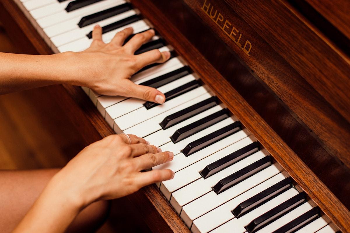 piano fingers2